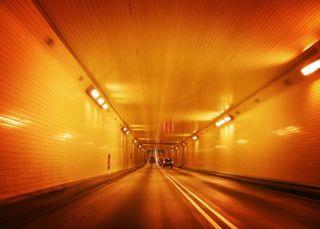 Orange_tunnel-750x600